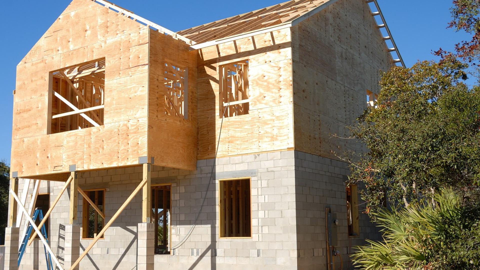 Construction maison : choisir un modèle standard ou sur-mesure ?