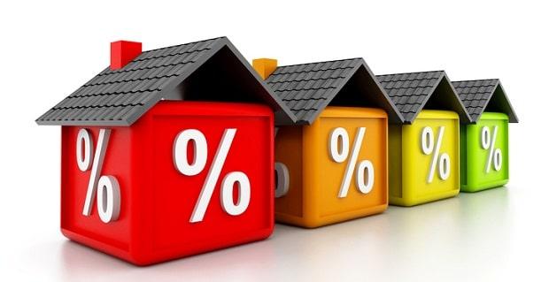 Des maisons alignées avec un taux d'interet
